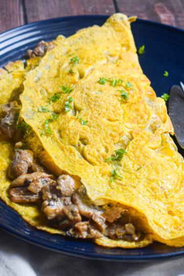 creamy mushroom omelette