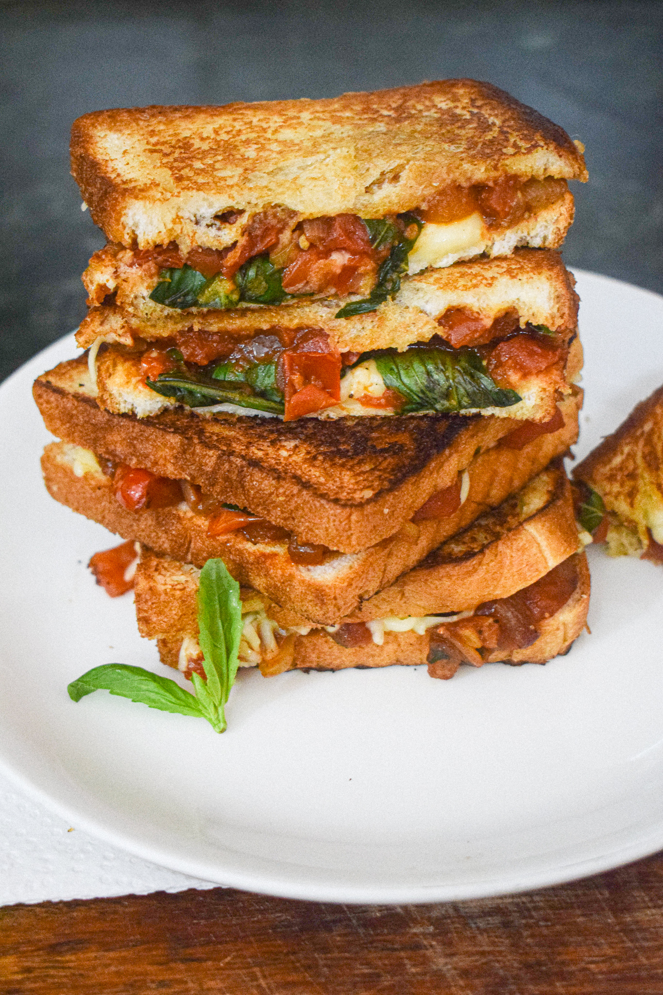 tomato grilled cheese sandwich