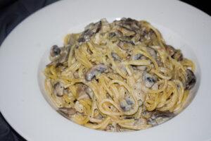 spaghetti mushroom alfredo